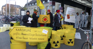 Anti Atom Initiative Karlsruhe am Bahnhof Karlsruhe